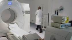 Los casos graves que esperen más de 15 días para una prueba médica irán a un centro privado