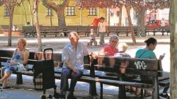 El número de jóvenes de la región cae al mismo ritmo que aumentan los mayores
