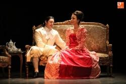 La compañía vallisoletana 'Teatro Arcón de Olid', presenta 'Las amistades peligrosas' en el Carrión.