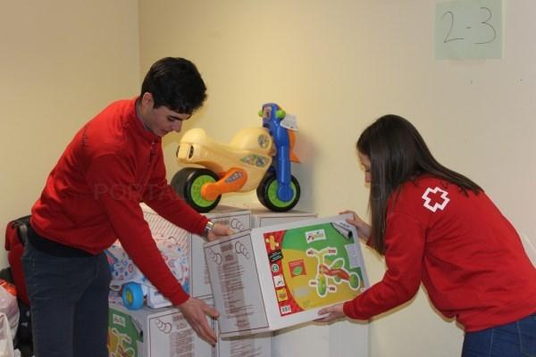 Cruz Roja Juventud entrega juguetes a 1.300 niños y niñas en la provincia vallisoletana