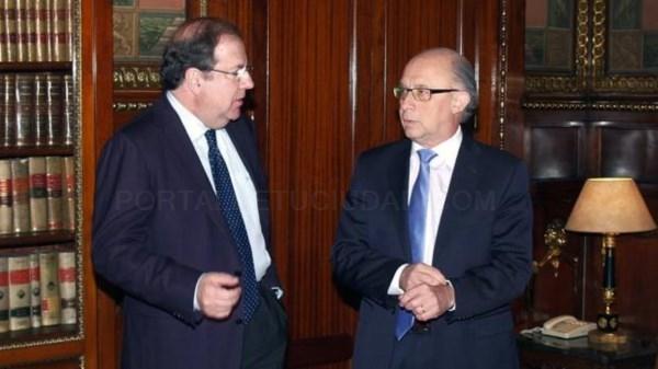 CASTILLA Y LEóN EXIGE A MONTORO «IGUALDAD» EN UNA QUITA DE DEUDA A LAS COMUNIDADES