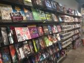 Pop, Tienda de comic