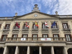 Vitoria-Gasteiz se suma al luto oficial por las víctimas del coronavirus