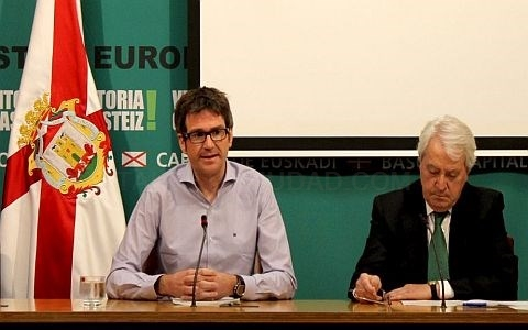 EL ALCALDE GORKA URTARAN Y CARLOS ZAPATERO /ARGAZKIA: VITORIA-GASTEIZ.ORG