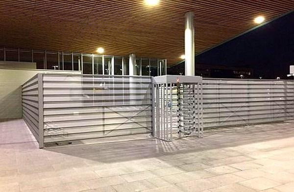 Ya se puede utilizar el aparcabicis cubierto de la Estación de Autobuses