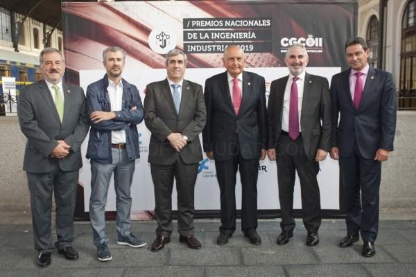 MIGUEL LóPEZ CHAPARTEGUI (PRESIDENTE DE ICLI), ENRIQUE GARCíA RUIZ DE GALARRETA (DIRECTOR-GERENTE DEL COLEGIO DE INGENIEROS INDUSTRIALES DE ALAVA) Y JOSé LUIS FERNáNDEZ GARRIDO (PRESIDENTE DEL CONSEJO VASCO DE INGENIEROS INDUSTRIALES Y DECANO DEL COLEGIO