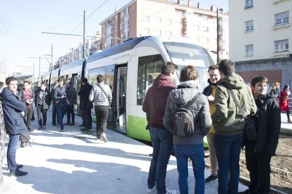 El tranvía de Gasteiz ya llega a la Universidad