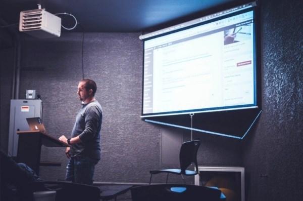 ¿Conoces la formación programada para empresas y trabajadores?