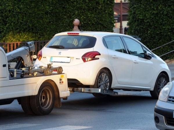 La grúa municipal avisará por SMS de la retirada de vehículos