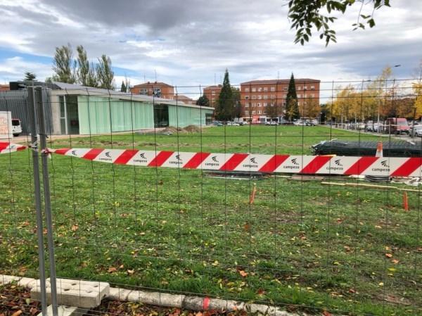 Han comenzado las obras del nuevo aparcamiento de Ariznabarra