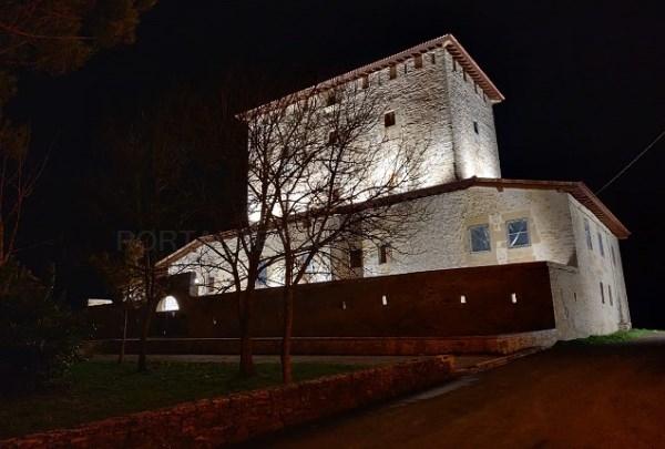 La torre de Mártioda cuenta ya con iluminación monumental