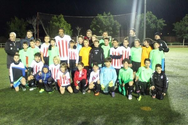 El exfutbolista Benjamín recoge material deportivo para los niños más necesitados de África en el 80 aniversario del Club Deportivo Altet