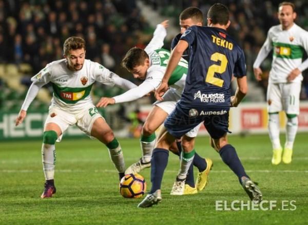 El Elche pierde dos puntos en el último minuto contra el UCAM Murcia