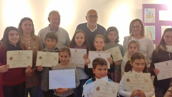 Entrega de premios del certamen de dibujo infantil de Semana Santa y Tronos en Miniatura