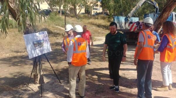 Comienzan las obras en la ladera del río para llevar agua regenerada al Palmeral