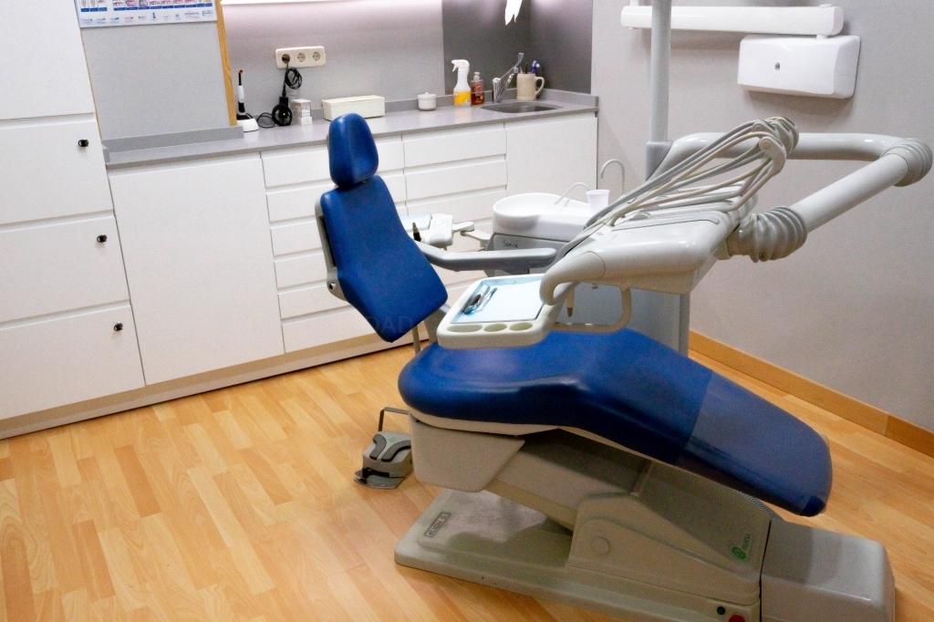 estética dental dehesa de la villa, endodoncia saconia
