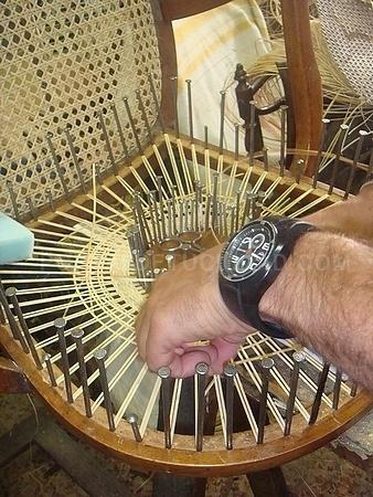 reparación sillas rejilla puerta de hierro, reparación sillas rejilla dehesa de la villa