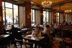 El Ayuntamiento protege el espíritu del Café Comercial