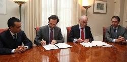 Govern y MicroBank firman un convenio para fomentar la emprendeduría con microcréditos de hasta 25.000 euros