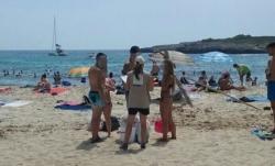 Cerca de 25.500 personas informadas sobre el abandono de residuos en las playas naturales de las Illes Balears