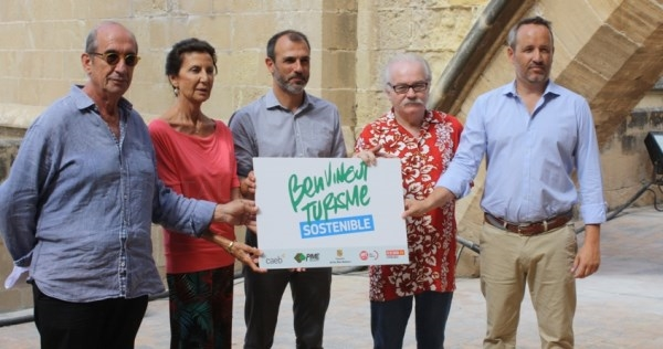 Govern, sindicatos y patronales impulsan una campaña a favor del turismo sostenible