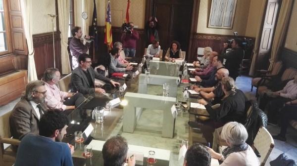 GOVERN Y SINDICATOS DEFIENDEN DE MANERA CONJUNTA LA CARRERA PROFESIONAL DEL PERSONAL DE LA CAIB