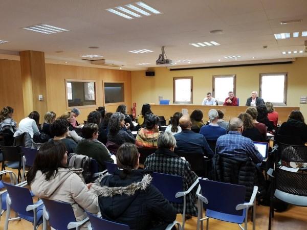 Educación trata con los centros públicos de Menorca sobre los remanentes y la gestión económica