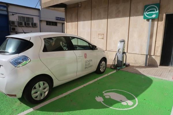 El Govern instalò más de 300 puntos de recarga de vehículos eléctricos en 2019