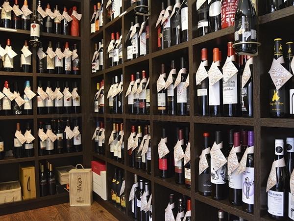 bodega distribuidor vinos DO en Cornellà Baix Llobregat,