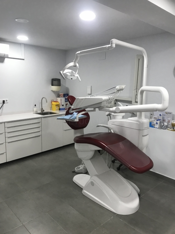 odontologia cornella baix llobregat barcelona, endodoncia cornella baix llobregat,