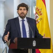 EL PRESIDENTE REALIZA UNA DECLARACION INSTITUCIONAL CON MOTIVO DEL DIA DE LA FIESTA NACIONAL