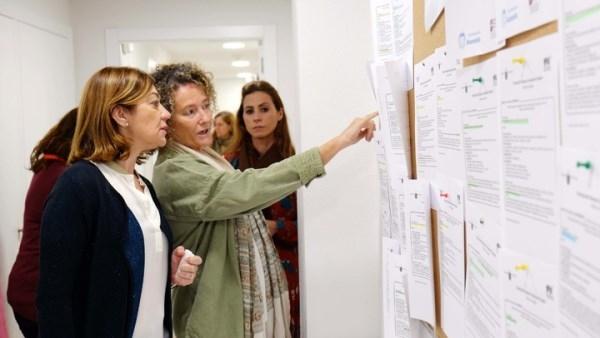 El SEF pone en marcha un programa específico para ayudar a titulados de carreras científicas a encontrar trabajo.