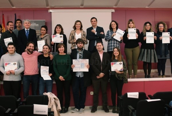 Los cursos de inglés con matrícula gratuita en exámenes como el 'First' o el 'Advanced' llegan en abril a Cartagena.