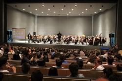 Escolares de Mérida y Almendralejo participan e interactúan en un concierto de la OSCAM