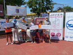 Alejandra Pinilla y Alvaro Fernández se proclaman campeones de Extremadura alevín al vencer en la final a Deborah Torres y Rodrigo Navarrete respectiv