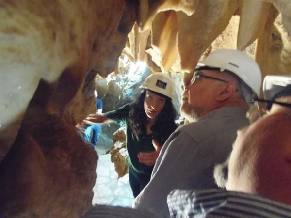 Inaugurada la Sala del Castillo en las Cuevas de Fuentes de León (Badajoz) después de tres años de actuaciones