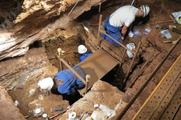 Nueva campaña de investigación arqueológica en las Cuevas de Fuentes de León
