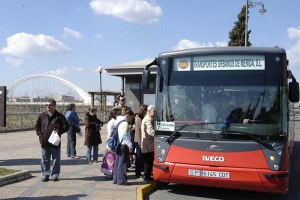 La nueva red de Transporte Urbano refuerza el servicio en diferentes zonas de la ciudad.