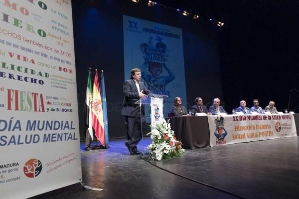 El presidente de la Junta aboga por un modelo educativo incluyente e inclusivo.