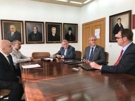 La Universidad de Extremadura ha firmado dos convenios marcos de colaboración con la Fundación Deutz Business School.