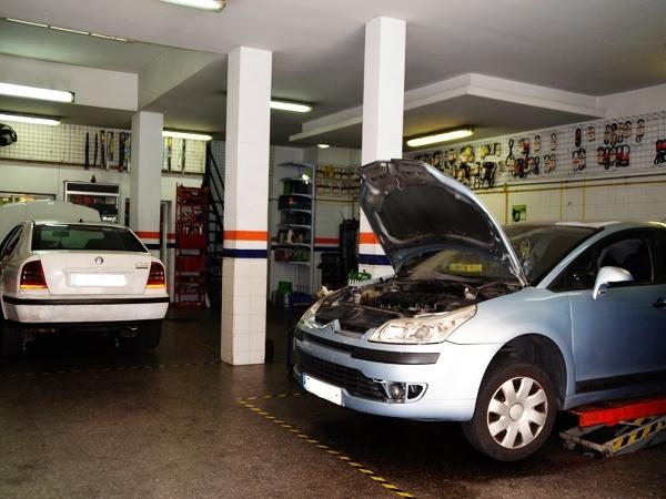 mecanica rapida en dos hermanas, electricidad del automovil en dos hermanas