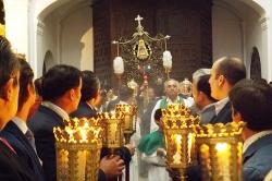 Traslado este miércoles del Simpecado del Rocío para presidir los cultos en el Altar de Santa Mª Magdalena