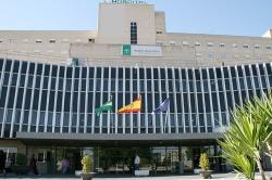 Muere una mujer que acababa de dar a luz al ser seccionada por un ascensor en el Hospital de Valme