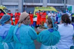 Andalucía registra 3.375 positivos en Covid-19 entre profesionales sanitarios, el 28% del total