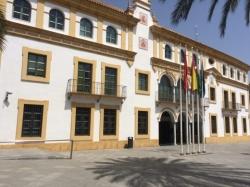 Cierran un bar de copas en la avenida de Andalucía tras incumplir las medidas contra la COVID-19