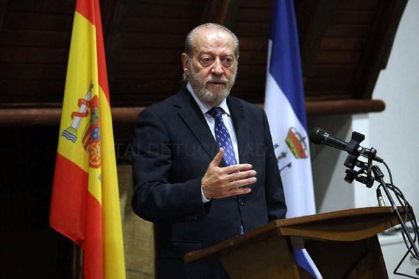 Villalobos lamenta que el Gobierno central siga sin permitir a los municipios que inviertan el superávit