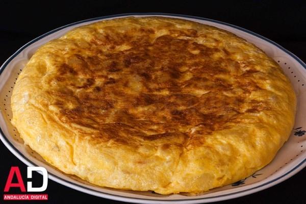 La Asociación Cultura Andaluza Carlos Cano celebra hoy el I Concurso de Tortilla de Patatas 'Feria de Alcalá'