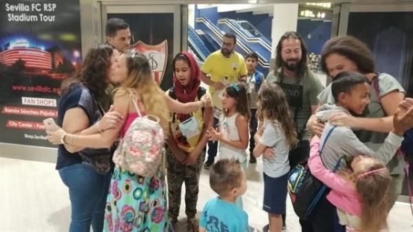 Llegan a Sevilla 137 niños saharauis desde los campamentos de refugiados de Tinduf con el programa 'Vacaciones en Paz'