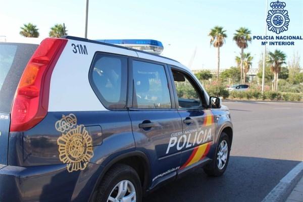 Nueve detenidos en Sevilla por vender por Internet coches robados, falsear matrículas y estafar a bancos