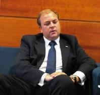 """Monago apunta """"lagunas"""" en la acreditación de viajes de los parlamentarios"""